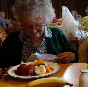elderly-1012602_1280_repas senior