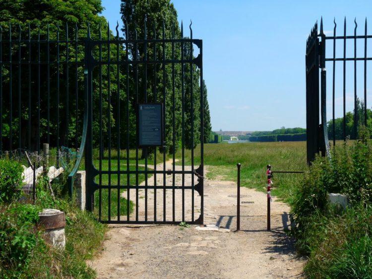 La grille de l'Etoile royale du parc du château de Versailles rouverte les week-ends à partir du 16 juin
