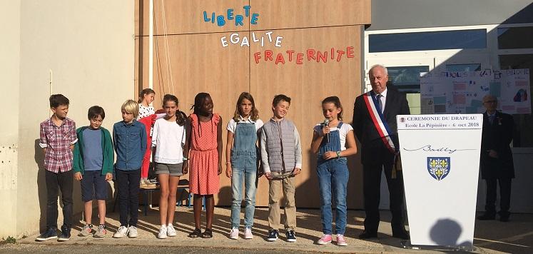 Cérémonie du drapeau à l'école de la Pépinière