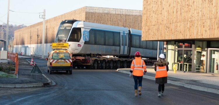 La première rame du Tram 13 Express est arrivée !